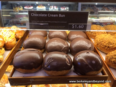 BERKELEY-Sheng Kee Bakery-chocolate cream bun-c2014 Carole Terwilliger Meyers-iPhone-400pix