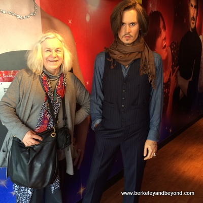 SF-Madame Tussauds-Johnnie Depp+Carole 2-c2015-Gene Meyers-iPhone-400pix