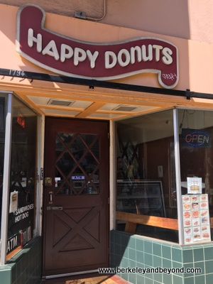 SF-Haight-Ashbury-Happy Donuts-c2017 Carole Terwilliger Meyers-400pix