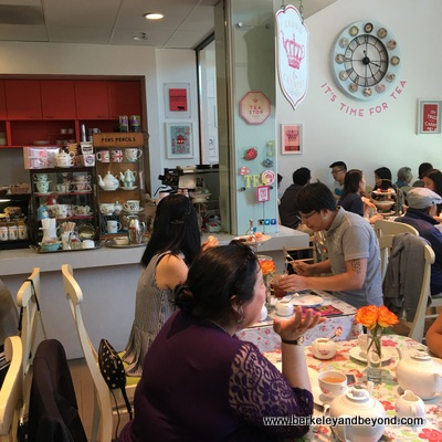 SF-Japantown-Post Street-New People-Tea Stop Cafe-c2016 Carole Terwilliger Meyers-400pix
