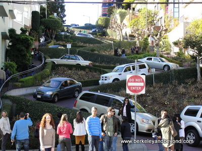 SF-LOMBARD STREET-12-11-400pix(cRaulFlores)