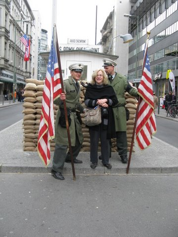GERMANY-Berlin-Check Point Charlie+Carole