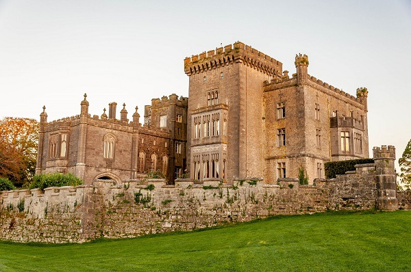 11-IRELAND-Sligo-Markree Castle Hotel-at dusk-exterior-c Laura+Lance Longwell