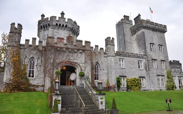 3-IRELAND-Dromoland Castle-in Fall-c Jan Ross