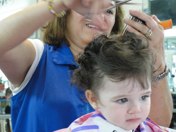 2015-Isabella-2nd haircut 5-c2015 Carole Terwilliger Meyers-600pix