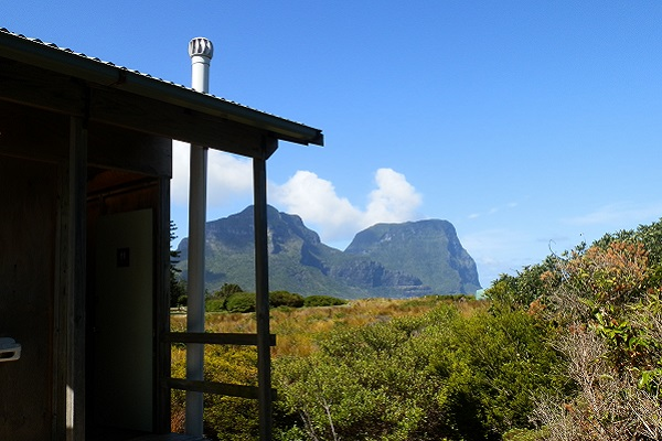 11-loos with a view-Lord Howe Island-New South Wales-c Marion (Red Nomad) 600pix