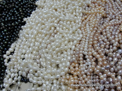 CHINA-BEIJING-pearls-c2015 Carole Terwilliger Meyers-400PIX
